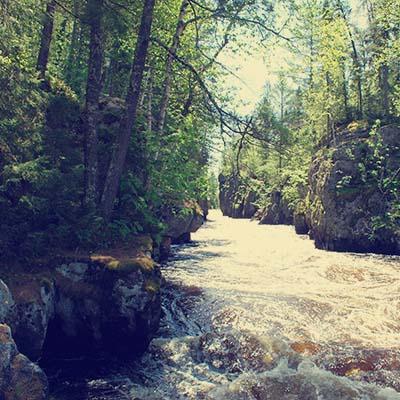 Voyageurs - Vermillion gorge